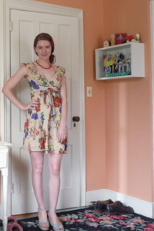 Old Navy dress - La Redoute shoes