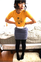 yellow Secondhand shirt - gray Secondhand skirt