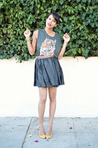 black Heidi Merrick skirt - gold shoemint pumps - black Urban Outfitters t-shirt