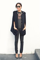 black concert tee t-shirt - navy Levis jeans - navy Topshop cape