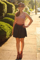 red polka dot Urban Outfitters top - brick red Nine West hat
