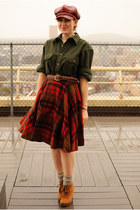brick red circle skirt vintage skirt - tawny boots - brick red Nine West hat