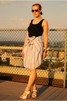 off white skirt - black top - white sam edelman wedges
