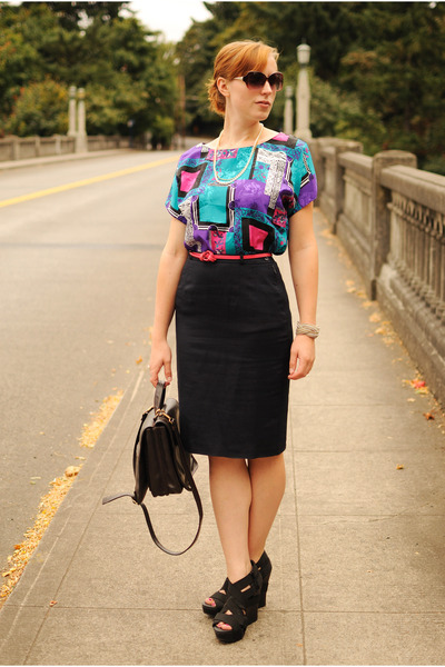 black Dollhouse wedges - navy pencil skirt - teal blouse
