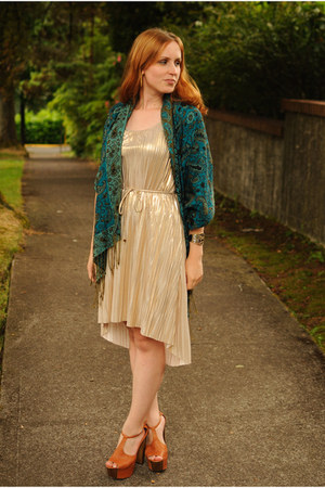 gold H&M dress - blue scarf - tawny Jessica Simpson heels