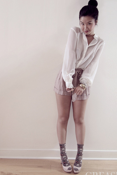 silk sheer ben sherman blouse - Forever 21 shorts
