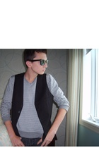 H&M vest - H&M sweater - Simons jeans - Ray Ban sunglasses