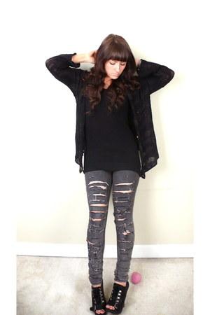 charcoal gray BDG jeans - black Clu top - black Aldo wedges - periwinkle  bracel