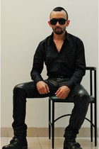black leather biker Steve Madden boots - black H&M shirt - black H&M sunglasses
