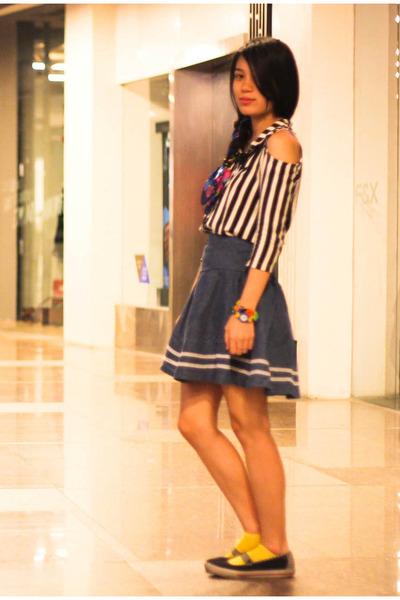 black Keds shoes - yellow socks - black Belle York top - navy denim skirt skirt