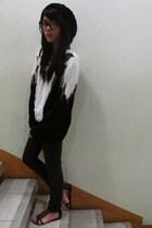 black Parisian - black jeans - black sweater - ivory top - black babo glasses -