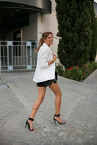 Zara blazer - Mentirosas shorts - Zara heels - elena estaun bracelet