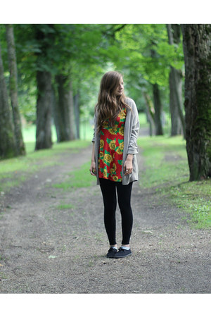 black Primark leggings - sunflowers Modalita dress - fabric Primark sneakers