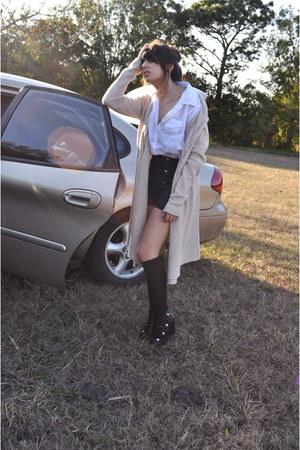 navy gold buttons Zara shorts - white Converse blouse - black peep toe Vince Cam