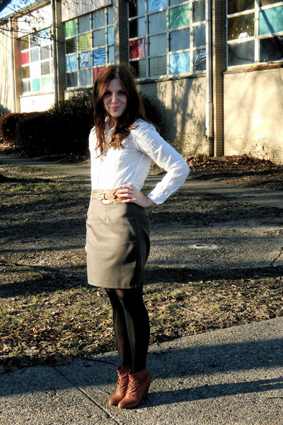 American Eagle necklace - American Eagle blouse - thrifted skirt - Target belt -