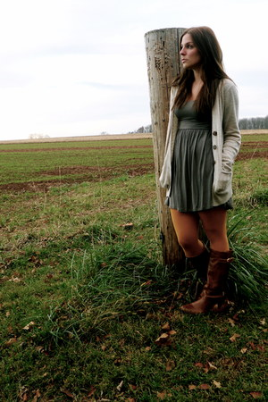 Forever 21 dress - Forever 21 cardigan - Forever 21 tights - Stever Madden boots