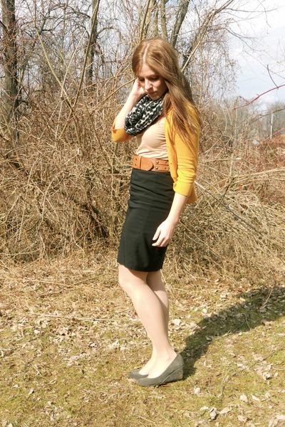 Target shoes - H&M scarf - Target cardigan - H&M t-shirt - Target belt - thrifte