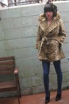 brown vintage coat - black bare feet shoes - vintage scarf - blue leggings
