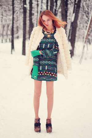 Sheinside dress - Chicwish coat - Sheinside necklace