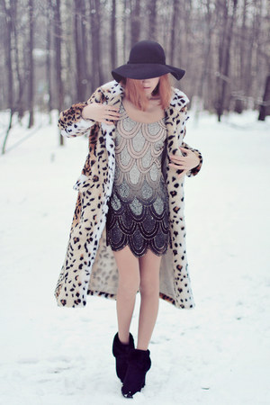 Sheinside coat - TFNC dress