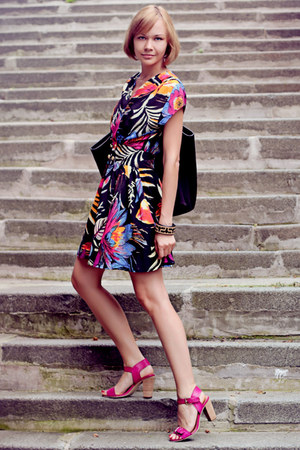 floral print Motel dress - black cotton Reiss bag - magenta asos heels