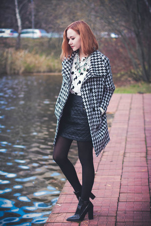 Sheinside coat - Sheinside skirt - Dualshine necklace