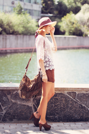 Chicwish top - Oasis bag - Mango shorts - Aloha Helsinki bracelet - Zara clogs
