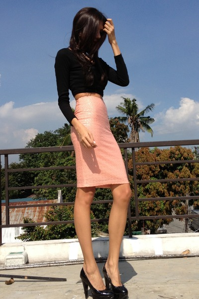 peach H&M skirt - black janilyn pumps - black cotton Paperbag Vintage top