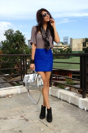 blue metallic H&amp;M skirt - black suede cotton on boots