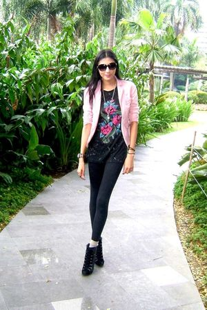 pink blazer - black boots - black leggings - black shirt - beige socks