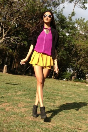 black suede cotton on boots - mustard random shorts