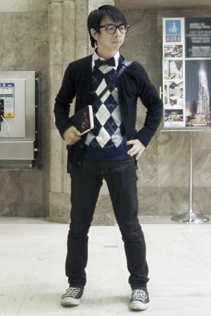 Gap sweater - Urban Outfitters tie - Levi jeans - glasses - H&M vest