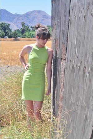 slim fit Goodwill dress