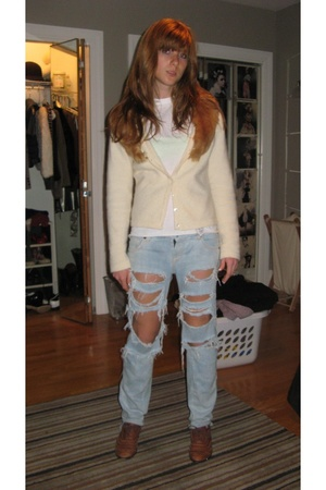 banana republic sweater - Hanes t-shirt - Ripped & bleached by me jeans - Jeffer
