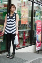 random liquid leggings - random striped crop top - random accessories - People a
