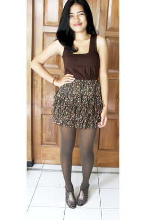brown mineola top - brown second hand skirt - brown Sock Gallery tights - brown
