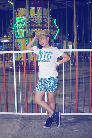 green printed H&M shirt - green cotton H&M shorts