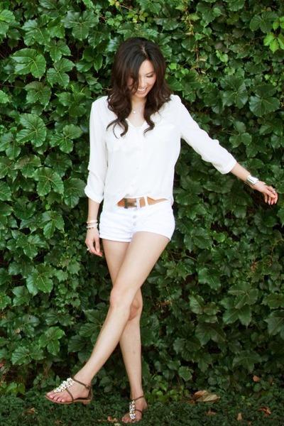 white American Apparel shorts - tawny Hermes belt - silver tiffanys bracelet