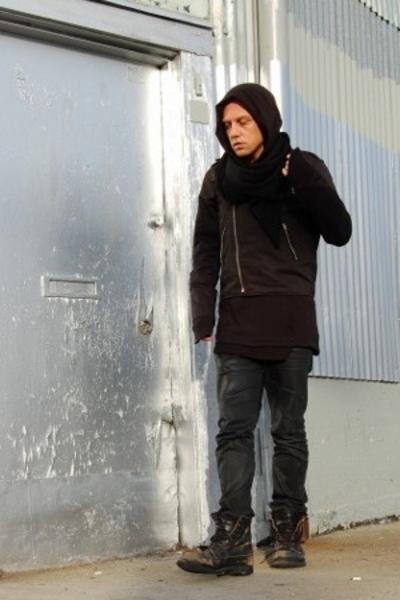 Endovanera sweater - Nom D scarf - Karen Walker jacket - Lee jeans - undercover