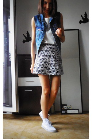 denim pull&bear vest - open back Zara top - jacquard mini Zara skirt