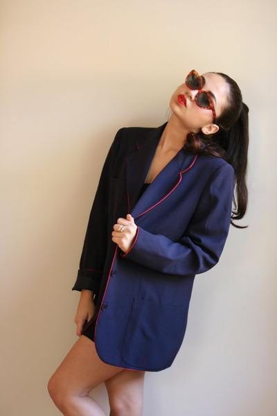navy nay blazer Valentino blazer - tawny sunglasses