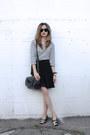White-stripes-unknown-brand-shirt-black-messenger-zara-bag