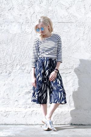 white striped LL Bean shirt - navy culottes Topshop shorts