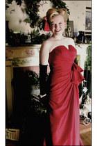 ruby red Flirt dress