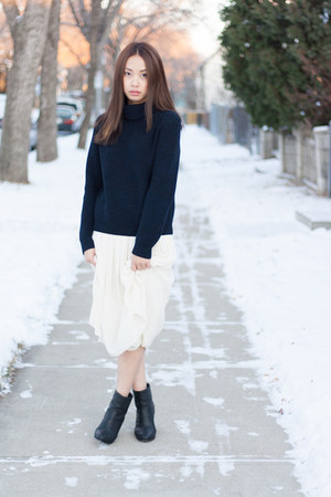 Babaton sweater - Rag and Bone shoes - Babaton skirt