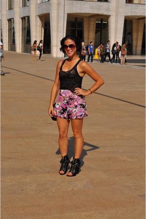 black freja bootie Alexander Wang boots - hot pink Mink Pink shorts