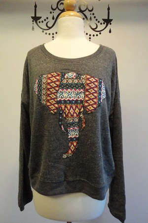 Bear Dance sweatshirt