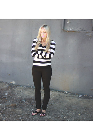 white striped Forever 21 sweater - black skinny jeans Angl jeans