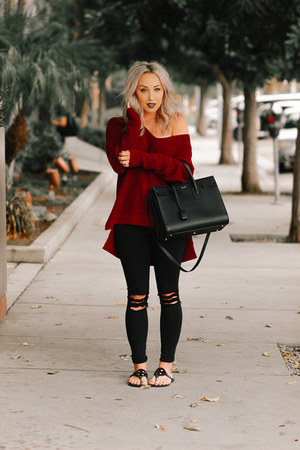 crimson oversized abercrombie and fitch sweater