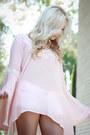 White-short-hollister-shorts-light-pink-flowy-noaelle-top